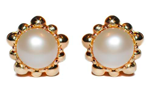 ANZIE FRESHWATER PEARL EARRINGS IN GOLD