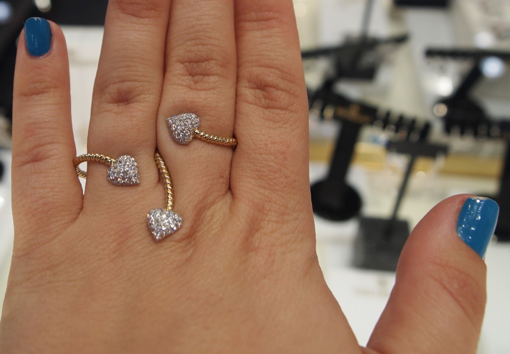 Hidalgo Diamond heart and 18k Yellow gold multi finger ring.